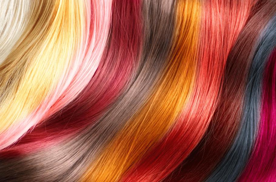 Diversas cores de cabelo que passaram por tratamento antiqueda de cabelo colorido